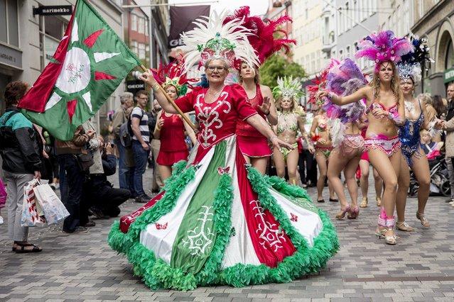 Dancers take part in the Copenhagen Carnival parade May 23, 2015. (Photo by Jens Astrup/Reuters/Scanpix Denmark)