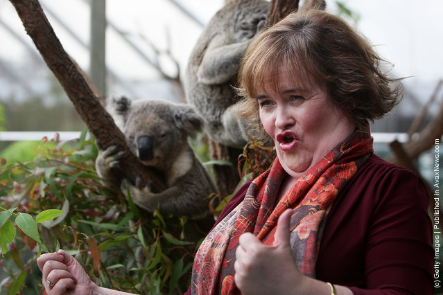 Susan Boyle poses during a visit to WILD LIFE Sydney