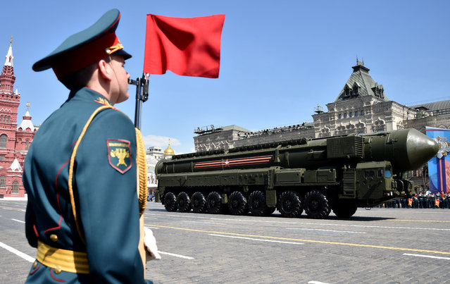 A Russian Yars RS-24 intercontinental ballistic missile system rolls at Red Square during the Victory Day military parade in Moscow on May 9, 2016. Russia marks the 71st anniversary of the Soviet Union's victory over Nazi Germany in World War II. (Photo by Kirill Kudryavtsev/AFP Photo)
