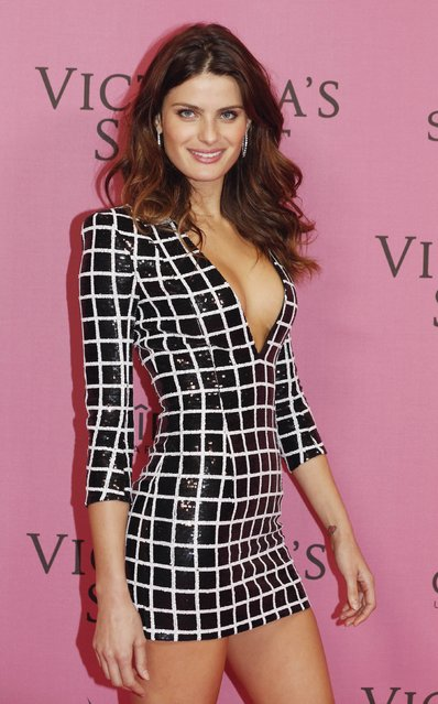 Model Isabeli Fontana poses after the 2014 Victoria's Secret Fashion Show in London December 2, 2014. (Photo by Luke MacGregor/Reuters)