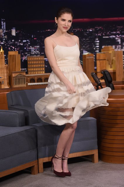"""Anna Kendrick visits the """"The Tonight Show Starring Jimmy Fallon"""" on October 28, 2016 in New York City. (Photo by Jamie McCarthy/Getty Images for NBC)"""