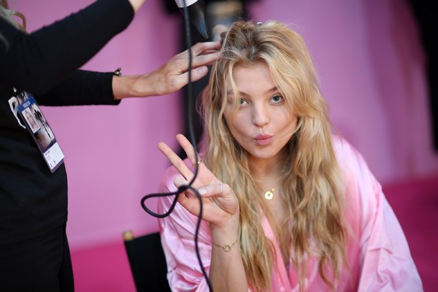 Rachel Hilbert has her Hair & Makeup done prior the 2016 Victoria's Secret Fashion Show on November 30, 2016 in Paris, France. (Photo by Dimitrios Kambouris/Getty Images for Victoria's Secret)