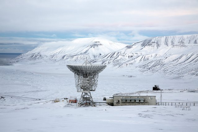 Radar dish and antennas systems are seen at the European Incoherent Scatter Scientific Association facility on Breinosa, Svalbard, in Norway, October 24, 2015. (Photo by Anna Filipova/Reuters)