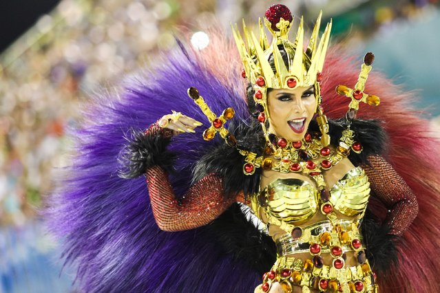 Queen of Percussion Raissa Machado of Viradouro performs during the parade at 2019 Brazilian Carnival at Sapucai Sambadrome on March 03, 2019 in Rio de Janeiro, Brazil. Rio's two nights of Carnival parades begin today in a burst of fireworks and to the cheers of thousands of tourists and locals who have previously enjoyed street celebrations (known as 'blocos de rua') all around the city. (Photo by Buda Mendes/Getty Images)