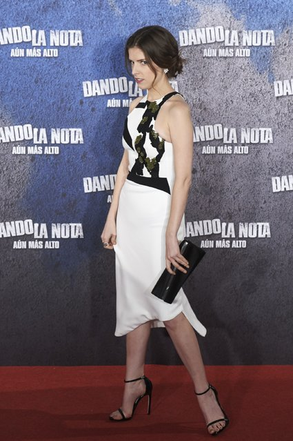 "Actress Anna Kendrick atteds the ""Dando la Nota, Aun mas Alto"" (Pitch Perfect 2) photocall at the Villamagna Hotel on May 5, 2015 in Madrid, Spain. (Photo by Carlos Alvarez/Getty Images)"
