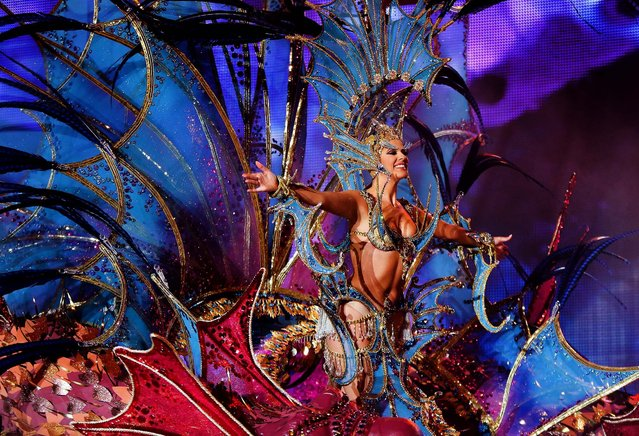 Nominee for Queen of the 2013 Santa Cruz carnival Nuria Garcia performs on February 26, 2014 in Santa Cruz de Tenerife on the Canary island of Tenerife, Spain. (Photo by Pablo Blazquez Dominguez/Getty Images)