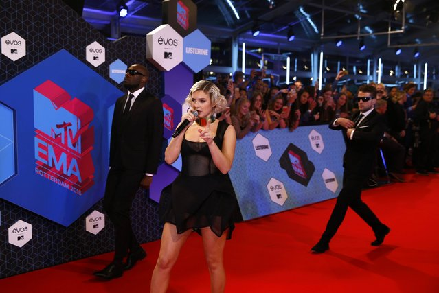 British singer Anne-Marie performs on the red carpet as she arrives for the 2016 MTV Europe Music Awards at the Ahoy Arena in Rotterdam, Netherlands, November 6, 2016. (Photo by Michael Kooren/Reuters)