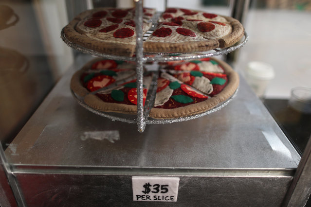 Pizza made from felt in a art installation supermarket in which everything is made of felt, in Los Angeles, California on July 31, 2018. (Photo by Lucy Nicholson/Reuters)