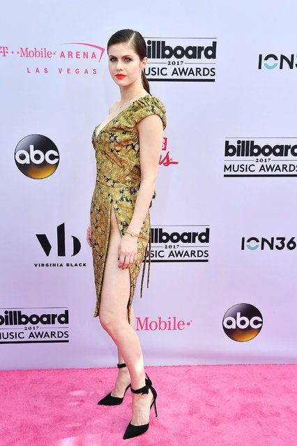 Actress Alexandra Daddario arrives at 2017 Billboard Music Awards at T-Mobile Arena on May 21, 2017 in Las Vegas, Nevada. (Photo by Allen Berezovsky/Getty Images)