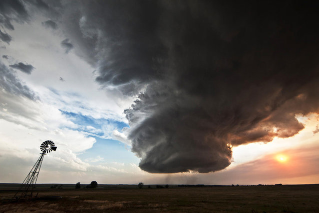 The Big Cloud: The Lovely Monster by Camille Seaman