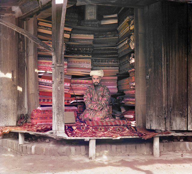 Photos by Sergey Prokudin-Gorsky. Fabric merchant. Samarkand, 1911