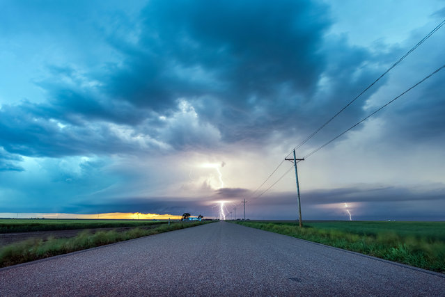 Lightning in Kansas. (Photo by Dennis Oswald/Caters News)