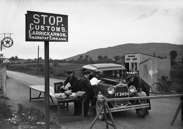 A typical customs post on the Ulster border, Northern Ireland on October 24, 1932. (Photo by AP Photo/Staff/Putnam)