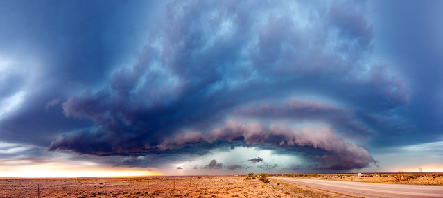 Huge storm is approaching desert Artesia, New Mexico. (Photo by Dennis Oswald/Caters News)