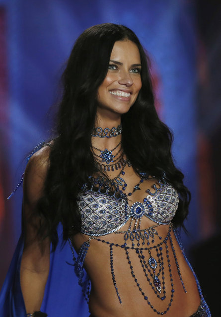 Model Adriana Lima presents a creation at the 2014 Victoria's Secret Fashion Show in London December 2, 2014. (Photo by Suzanne Plunkett/Reuters)