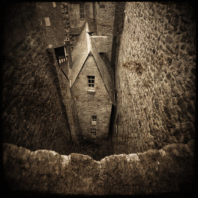 """""""The small house"""". (Photo and caption by Yves Lecoq)"""