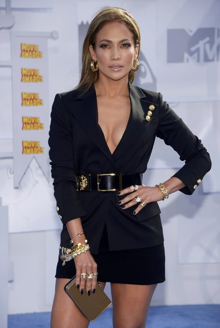 Jennifer Lopez arrives at the 2015 MTV Movie Awards in Los Angeles, California April 12, 2015. (Photo by Phil McCarten/Reuters)