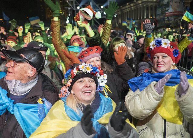 Pro-European integration supporters take part in New Year celebrations in Independence Square in central Kiev, December 31, 2013. (Photo by Gleb Garanich/Reuters)