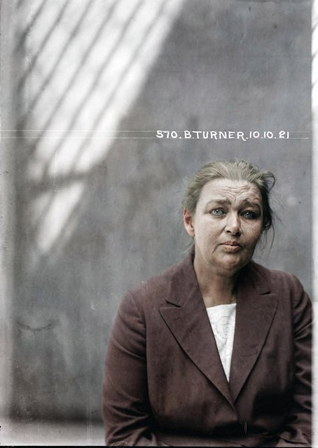 Barbara Turner, 10 October 1921, Central Police Station, Sydney. Con woman Barbara Taylor Turner was known as one of the greatest swindlers of the early 20th century, conning thousands of pounds out of local solicitors using six aliases. (Photo by My Colorful Past/Mediadrumworld)