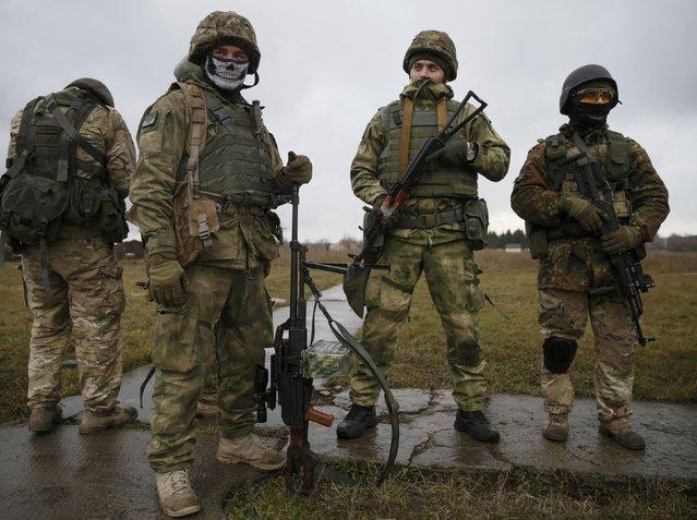 Servicemen of Ukrainian special operation forces take part in tactical exercises at a shooting range in Khmelnytsky region, Ukraine November 20, 2015. (Photo by Valentyn Ogirenko/Reuters)