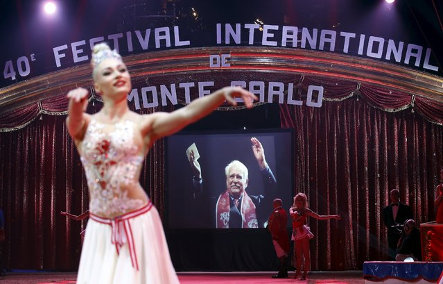 A picture of Prince Rainier III of Monaco is displayed as a tribute during the opening of the 40th Monte-Carlo International Circus Festival in Monaco January 14, 2016. (Photo by Eric Gaillard/Reuters)