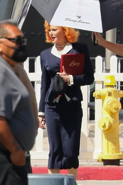 """Actress Nicole Kidman returns to her trailer as she wraps up filming scenes as Lucy for """"Being the Ricardos"""" in Long Beach, CA. on May19, 2021. (Photo by Backgrid USA)"""