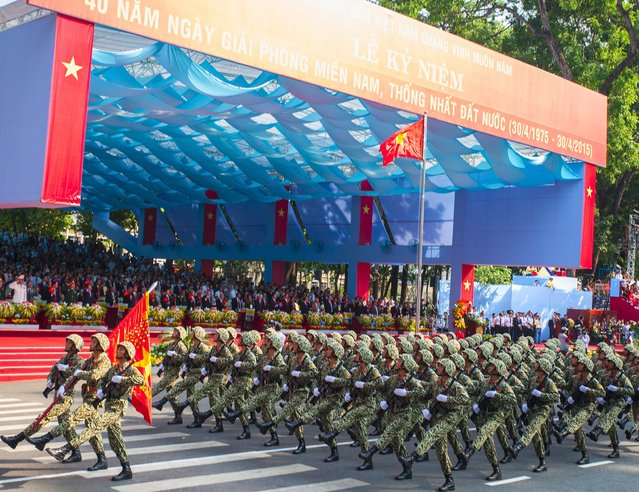 Solders march during a parade marking the 40th anniversary of the end of the Vietnam War in Ho Chi Minh City, Vietnam, 30 April 2015. (Photo by Le Quang Nhat/EPA)