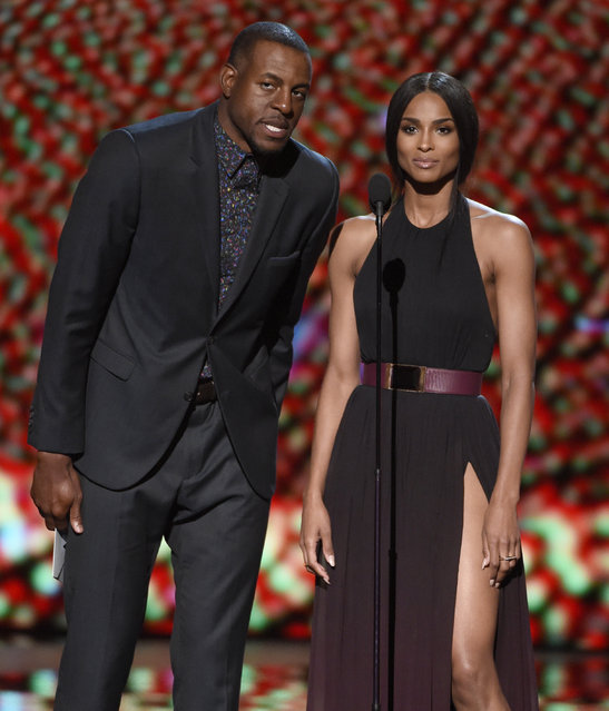 NBA player Andre Iguodala, of the Golden State Warriors, and Ciara present the award for best play at the ESPY Awards at the Microsoft Theater on Wednesday, July 15, 2015, in Los Angeles. (Photo by Chris Pizzello/Invision/AP Photo)
