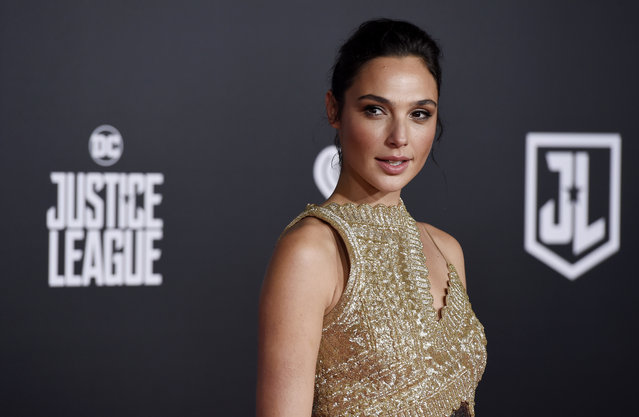 "Gal Gadot, a cast member in ""Justice League"", poses at the premiere of the film at the Dolby Theatre on Monday, November 13, 2017, in Los Angeles. (Photo by Chris Pizzello/Invision/AP Photo)"