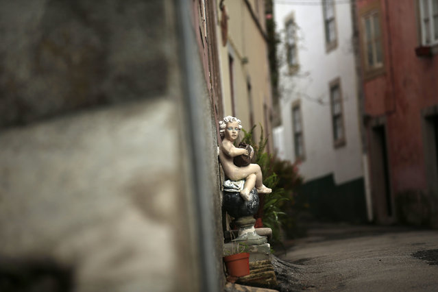 A figure decorates a street in downtown Sintra October 7, 2014. (Photo by Rafael Marchante/Reuters)