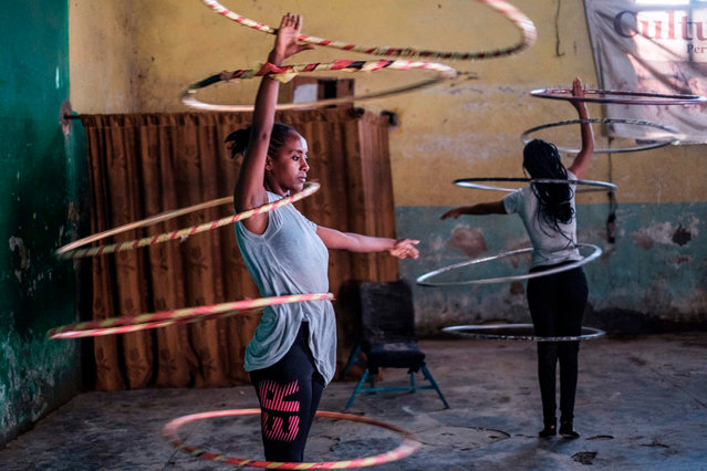 Members of the Tigray Circus rehearse in the city of Mekele, Ethiopia, on September 8, 2020. Leaders of the circus in Ethiopia's northern Tigray region, which provides training to disadvantage young people, hope it will undergo a revival after years of under investment. (Photo by Eduardo Soteras/AFP Photo)