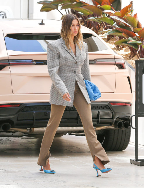American model Hailey Bieber is seen on April 20, 2021 in Los Angeles, California. (Photo by Bellocqimages/Bauer-Griffin/GC Images)