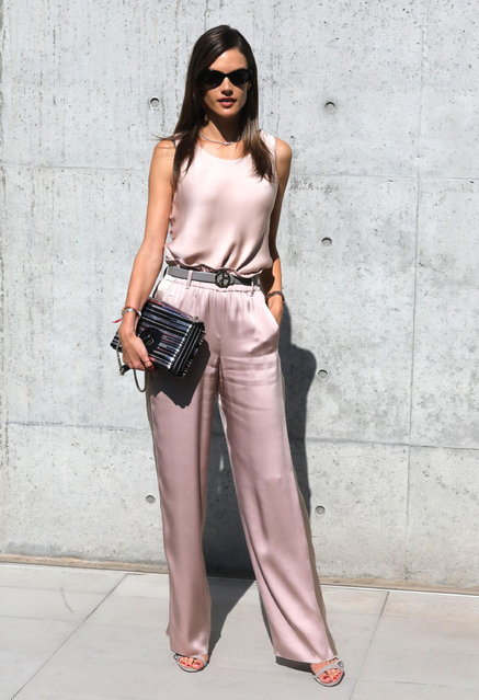 Alessandra Ambrosio arrives for the Giorgio Armani women's 2019 Spring-Summer collection during the Milan Fashion Week, in Milan, Italy, 23 September 2018. (Photo by Matteo Bazzi/EPA/EFE)