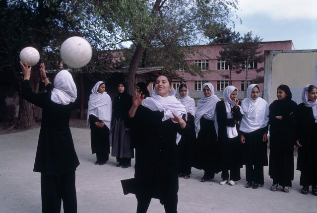 School for girls, Kabul, Afghanistan, 2002. (Photo by Steve McCurry)
