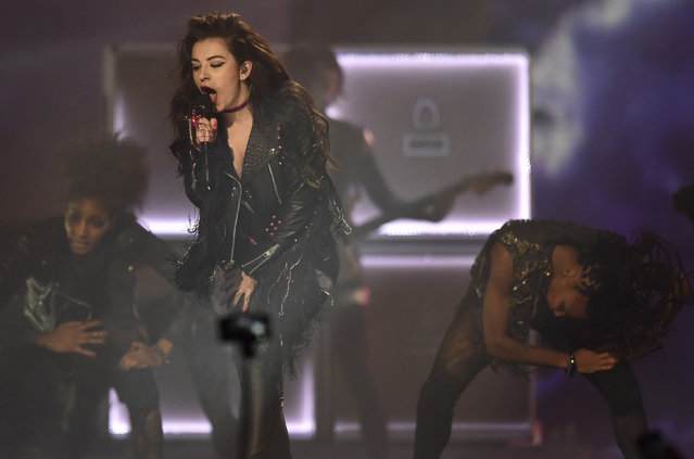 Charli XCX performs during the 2014 MTV Europe Music Awards at the SSE Hydro Arena in Glasgow. (Photo by Toby Melville/Reuters)