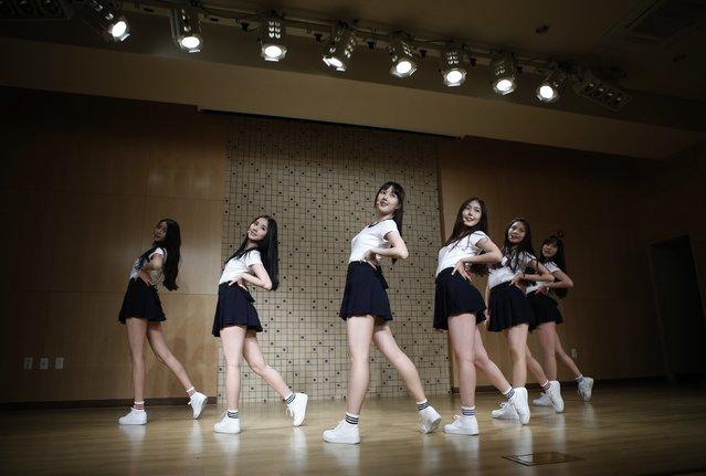 Members of South Korean girl group GFriend rehearse in Seoul December 23, 2014. (Photo by Kim Hong-Ji/Reuters)