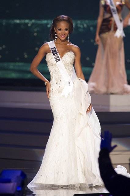 Yomatsy Hazlewood, Miss Panama 2014 competes on stage in her evening gown during the Miss Universe Preliminary Show in Miami, Florida in this January 21, 2015 handout photo. (Photo by Reuters/Miss Universe Organization)