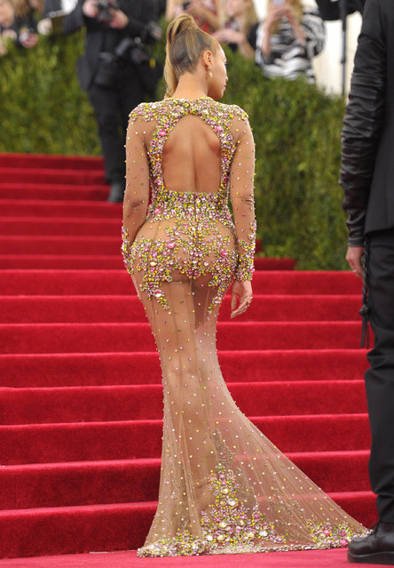 """Beyonce arrives at The Metropolitan Museum of Art's Costume Institute benefit gala celebrating """"China: Through the Looking Glass"""" on Monday, May 4, 2015, in New York. (Photo by Evan Agostini/Invision/AP Photo)"""