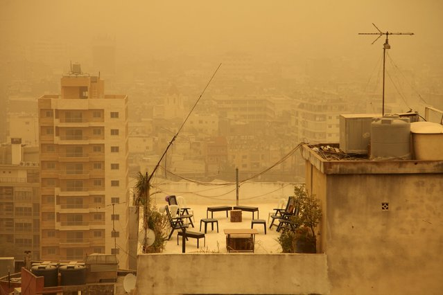 A terrace is pictured during a sandstorm in Beirut, Lebanon September 8, 2015. (Photo by Alia Haju/Reuters)