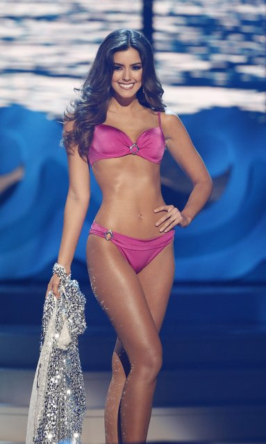 Miss Colombia Paulina Vega competes in the swimsuit competition before being chosen as Miss Universe 2014 at the 2014 Miss Universe Final at the FIU Arena in Miami, USA, 25 January 2015. (Photo by Rhona Wise/EPA)