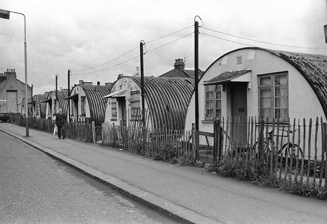 A row of Nissen huts in Stratford, in the East End of London, 1960s. (Photo by Steve Lewis/Getty Images)