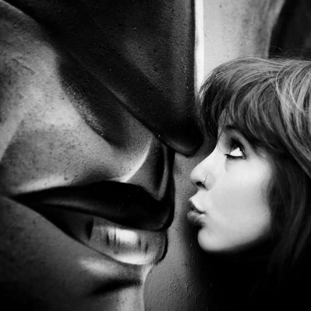 """""""This kiss"""". (Photo by Photocillin)"""