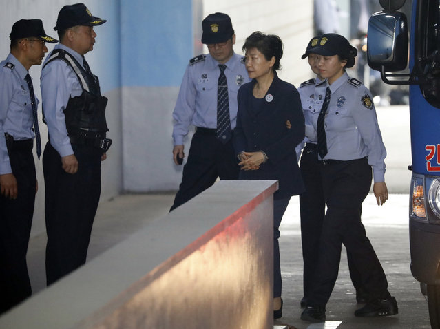 Former South Korean President Park Geun-hye, third right, arrives at a court in Seoul, South Korea Tuesday, May 23, 2017 for the beginning of her corruption trial. (Photo by Kim Hong-ji/Pool Photo via AP Photo)