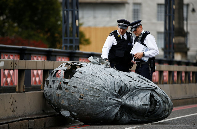 A sculpture made by activists on Lambeth bridge during the Extinction Rebellion protest in London, England on October 7, 2019. (Photo by Henry Nicholls/Reuters)