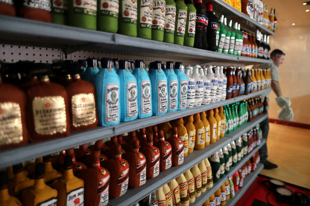 Bottles of alcohol made from felt in a art installation supermarket in which everything is made of felt, in Los Angeles, California on July 31, 2018. (Photo by Lucy Nicholson/Reuters)