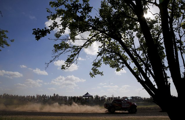Poulter Leeroy of South Africa drives his Toyota during the Buenos Aires-Rosario prologue stage of Dakar Rally 2016 in Arrecifes, Argentina, January 2, 2016. (Photo by Marcos Brindicci/Reuters)