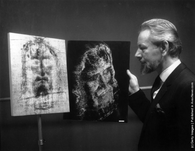 1967: British photographer Leo Vala displays the photographic representation he has produced of the face of Christ