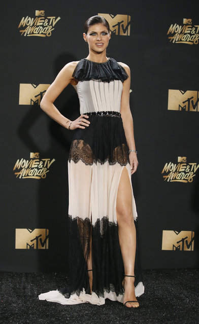 Alexandra Daddario attends the 2017 MTV Movie And TV Awards at The Shrine Auditorium on May 7, 2017 in Los Angeles, California. (Photo by Danny Moloshok/Reuters)