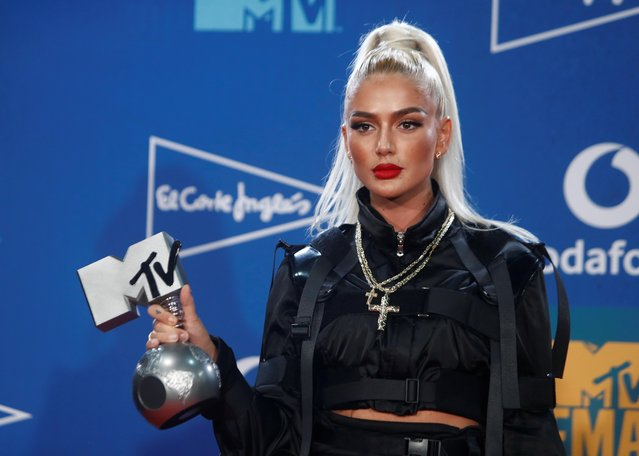 Loredana poses with the Best Swiss Act Award during the 2019 MTV Europe Music Awards at the FIBES Conference and Exhibition Centre in Seville, Spain, November 3, 2019. (Photo by Jon Nazca/Reuters)