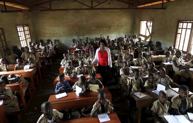 A teacher leads a class session at the ecole primaire Ave Marie in Burundi's capital Bujumbura,  April 24, 2015. (Photo by Thomas Mukoya/Reuters)